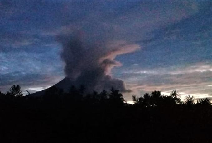 Dalam 6 Jam, Gunung Merapi Luncurkan 3 Kali Awan Panas dan 16 Kali Guguran Lava Pijar
