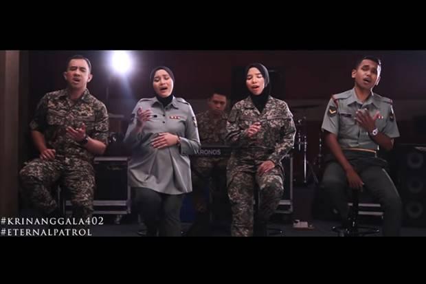 Bikin Haru, Tentara Malaysia Lantunkan Gugur Bunga untuk KRI Nanggala 402