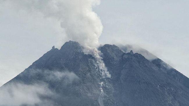 Gunung Merapi Erupsi, Sleman Hujan Abu