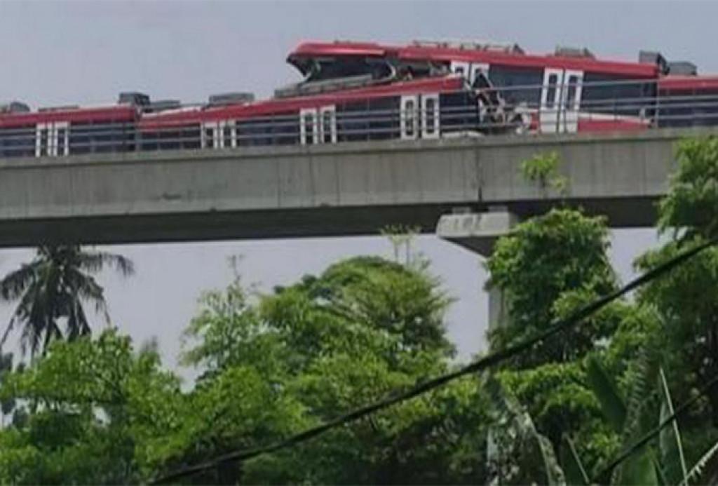 Masih Tahap Ujicoba, Kereta LRT Tabrakan di Cibubur