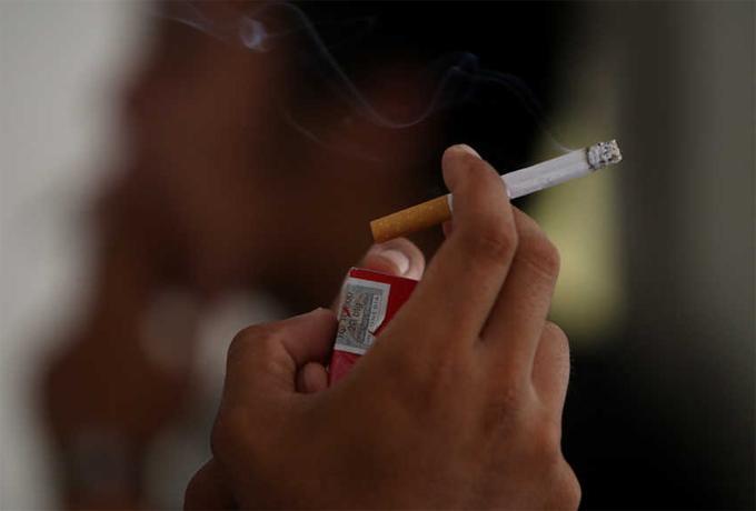 Jokowi Larang Dana Bansos Dipakai Merokok